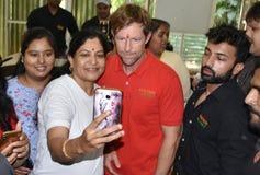 Besuch Jonty Rhodos in Bhopal, Indien stockbilder
