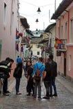 Besucher auf La Ronda, alte Stadt, Quito, Ecuador Stockbilder