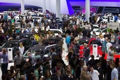 Besucher an der IAA-Auto-Autoausstellung Lizenzfreie Stockbilder