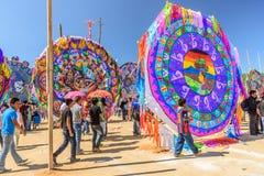 Besucher am riesigen Drachenfestival, der Allerheiligen, Guatemala Stockfotografie