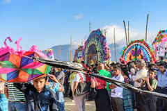 Besucher am riesigen Drachenfestival, der Allerheiligen, Guatemala Stockfoto