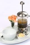 betätigen Sie sich mit grünem Tee und Cup Lizenzfreies Stockfoto