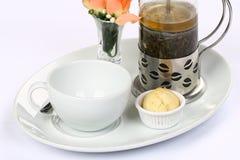 betätigen Sie sich mit grünem Tee und Cup Stockfotos