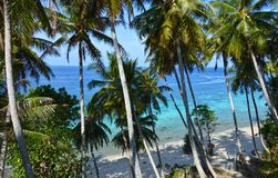 Betäubungsstrand in Pulau Weh, Indonesien lizenzfreies stockfoto