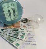Betalning av hjälpmedel och ryska pengar Royaltyfri Fotografi