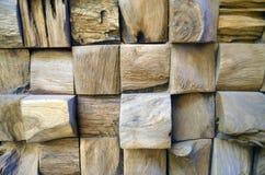 Betegelde Oude de muurachtergrond van de Teak Houten textuur voor ontwerp en decoratie Textuur van houten close-up als achtergron Stock Afbeelding
