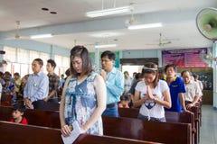 Beten für thailändische Königin am thailändischen Muttertag Lizenzfreie Stockbilder