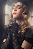 Betende blonde Frau. Lizenzfreie Stockfotografie