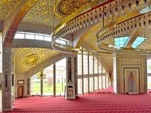Betende Halle in der Moschee in der tschetschenischen Republik Stockfotografie