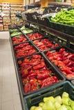 Beterrabas vermelhas em um supermercado tradicional Fotografia de Stock