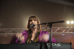 Beth Hart sings and plays keyboards Royalty Free Stock Photos