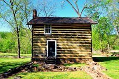 Bethabara, NC: Fachwerk Log Cabin Stock Image