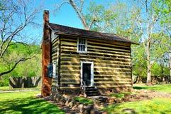 Bethabara, NC: Fachwerk Log Cabin Royalty Free Stock Photos