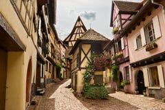 Betimmerde huizen in de Elzas, Frankrijk Royalty-vrije Stock Foto's