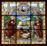 Betlehem kyrka av Kristi födelsemålat glassfönstret Arkivfoton