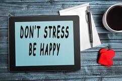 Betonen Sie nicht, seien Sie glückliche Zitate Lizenzfreie Stockbilder