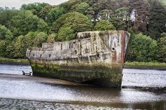 Betongskepp, Ballina, Co Mayo Irland royaltyfri fotografi