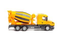Betoniera del camion giallo del giocattolo Fotografie Stock Libere da Diritti