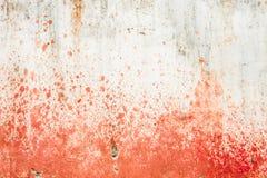 Betonowa ściana z krwionośnymi splatters Zdjęcia Royalty Free
