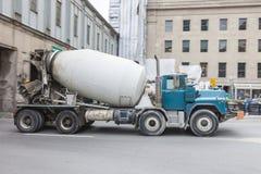 Betonowa ciężarówka w mieście Fotografia Royalty Free