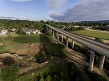 Betonowa droga - uliczna autostrada mostów natury krajobrazu wioska i contruction miejsce Zdjęcie Royalty Free