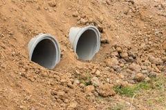 Betonowa drymba w suchej ziemi zdjęcie royalty free