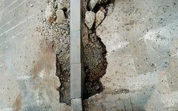 Betonowa krawężnik instalacja Chodniczka bruku odnowienie Drogowej infrastruktury naprawa od above Fotografia Royalty Free