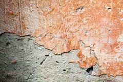 Betonowa powierzchnia z resztkami pomarańczowa farba i wybielanie Obrazy Royalty Free