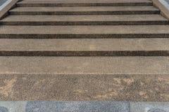 Betonowi schodki z szorstkiej powierzchni projektem fotografia stock