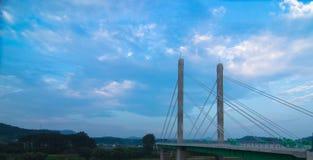 Betonowy most nad rzeką Obrazy Stock