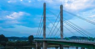 Betonowy most nad rzeką Obraz Stock