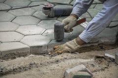 Betonowy podłogowy pracownik zdjęcia royalty free