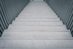 Betonowy schodowy sposób iść puszek obraz royalty free