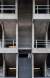 Betonowy schody z lądowaniami i poręczami Obrazy Royalty Free