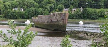 Betonowy statek na rzece Zdjęcie Royalty Free