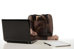 Betonte Geschäftsfrau mit ihrem Kopf unten Lizenzfreie Stockbilder