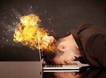 Betonter Geschäftsmännerkopf brennt Lizenzfreies Stockbild