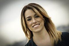 Betoverend mooie vrouw met neusring Royalty-vrije Stock Foto's