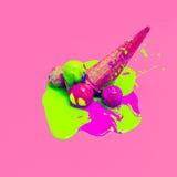 Betoverend roomijs de kleuren van de explosiezomer stock afbeelding