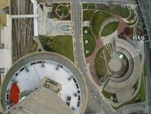 Betrachten Sie unten der Stadt (Farbe) Stockbilder