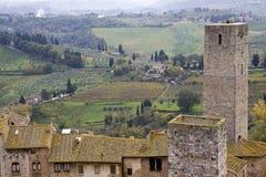 Betrachten von Toskana-Hügeln in San Gimignano. Stockbilder
