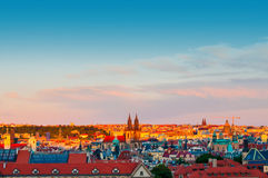 Betrachtungs-Prag-Landschaft bei Sonnenuntergang Lizenzfreies Stockbild