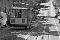 Betreiber bereiten eine Drahtseilbahn vor Stockbilder