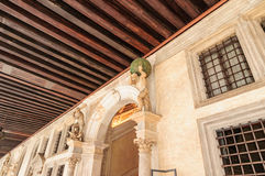 Betreten des Doge-Palastes Venedig Italien Stockfotos