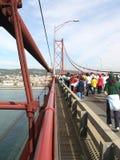 Betrieb des Brückenmarathons Stockfoto