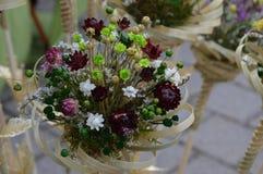 Betriebs- und der Blumetrockene Zusammensetzung stockfotografie