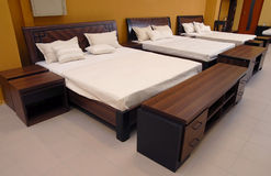Betten im System Stockfotos