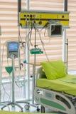 Bettkrankenhausausrüstung Stockbild