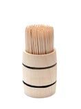 Betulla del toothpick in barile di legno fotografia stock libera da diritti