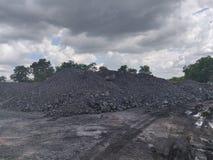 Betuminoso - carvão antracífero, armazenagem de carvão do nível superior fotos de stock